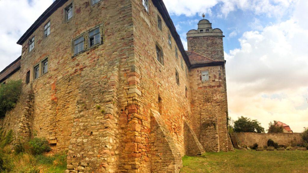 Die Vorburg - Burg & Schloss Allstedt - massive Mauern
