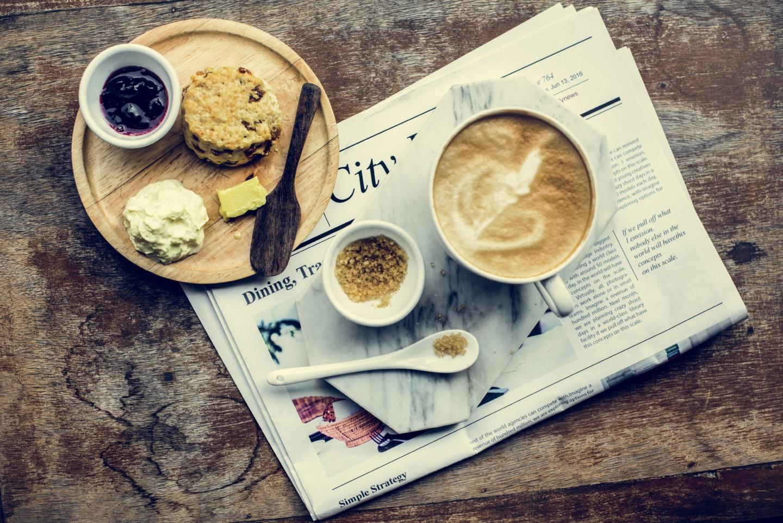 Coffee Shop Cafe Latte Cappuccino Zeitung Frühstück Kaffee